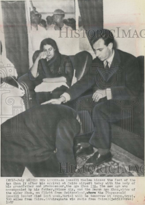 A Ismaili kissing the feet of Karim Aga Khan.