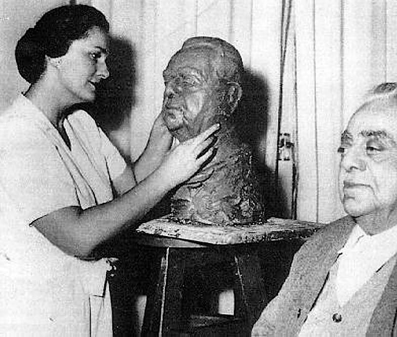 om habibeh sculptress